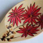 Tecnica: pirografia eseguita a mano e colori naturali.